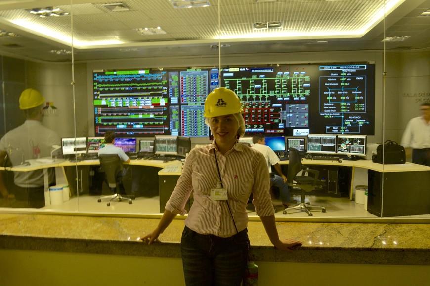 Немного рабочих моментов на одной из крупнейших гидроэлектростанций в мире - Итайпу.