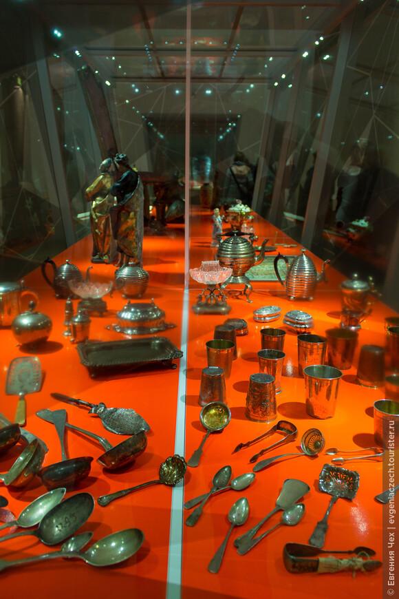Сегодня экспозиция музея начинается с выставки Raubkunst, произведения искусства, отнятые во времена нацистской Германии. В последнее время прогремело несколько скандалов, связанных с музейными экспонатами
