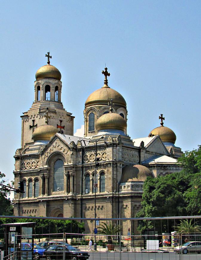 Церковь Успения Богородицы - главный кафедральный собор.