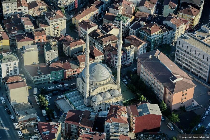 Очень интересно сверху выглядят мечети.