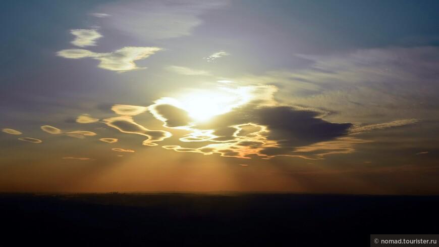 Как известно, закат может быть разным. Нам явно повезло!