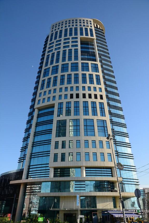 Sekerbank, высота 100 м