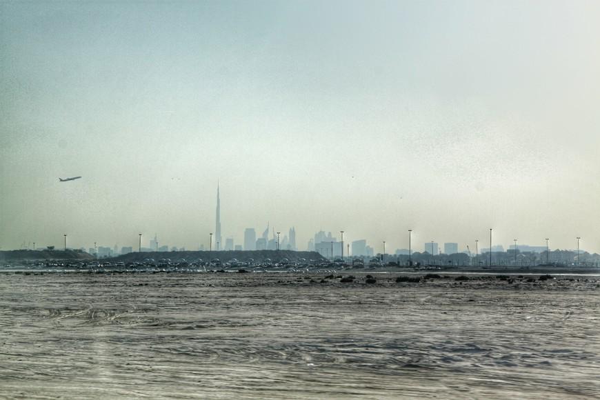 Вид на Дубай из Шарджи.