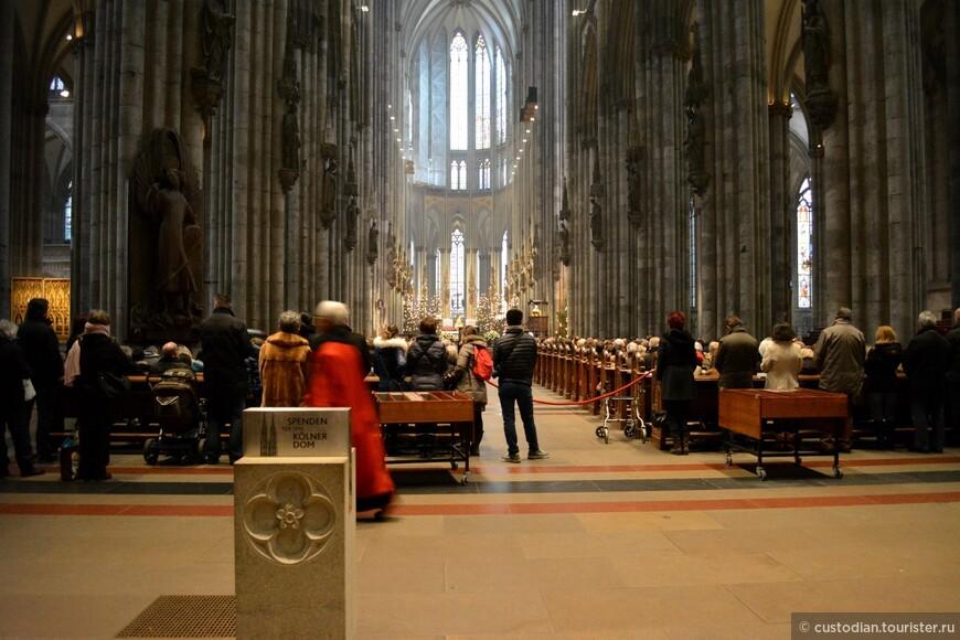 Центральный неф собора