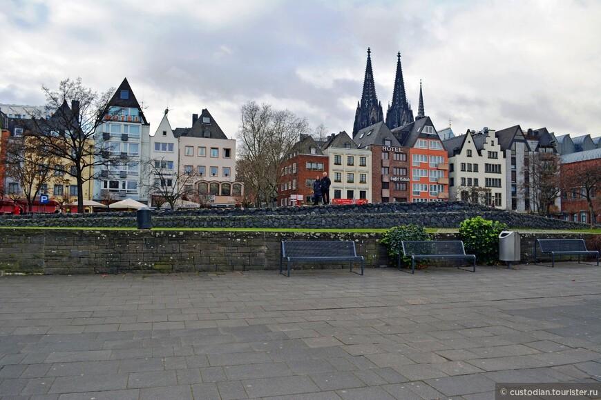 вдоль набережной Рейна