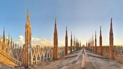 Турист ночевал на крыше Миланского  собора