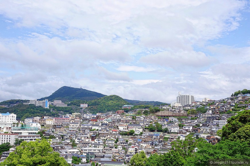 Дорого жить в Японии. Потому и дома крошечные.