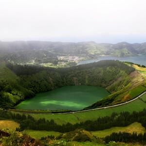 Зеленый остров Sao Miguel