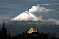 Мехико накрыло пеплом вулкана Попокатепетль