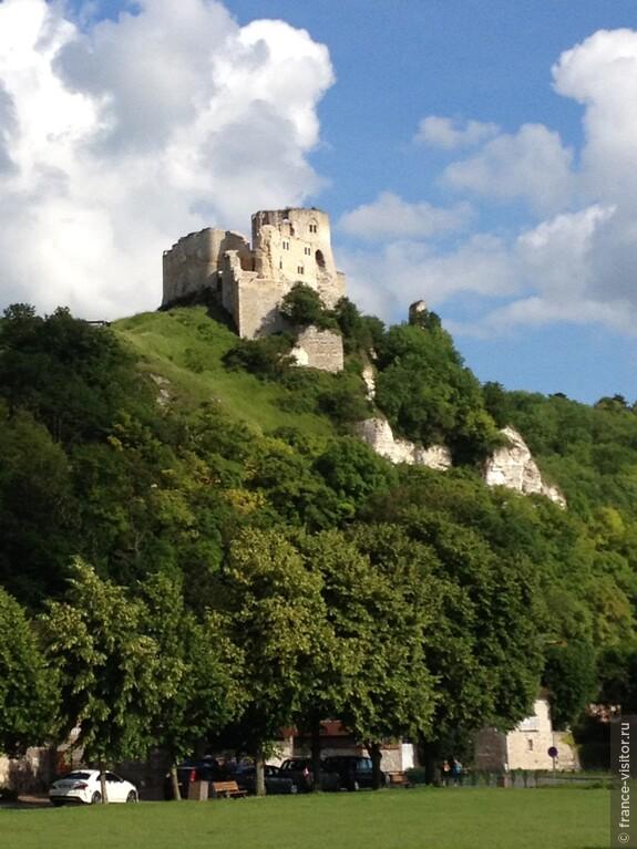 Замок Ричарда Львиное Сердце XI век