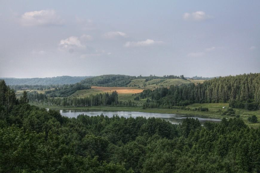 Окрестности Изборска. Входят в природно-ландшафтный музей-заповедник «Изборск».