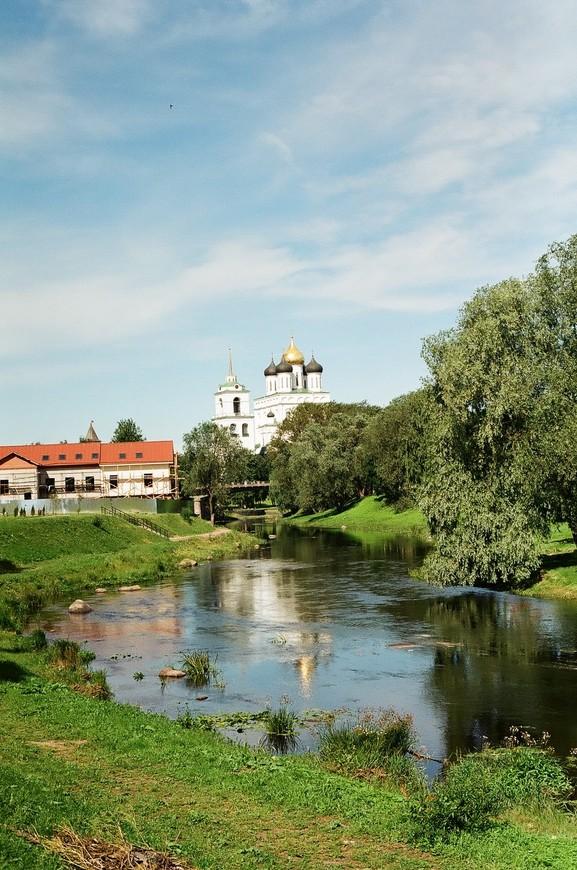 По пути от отеля по направлению Кремля было сделано уже множество кадров с прекрасными видами на город и церкви.