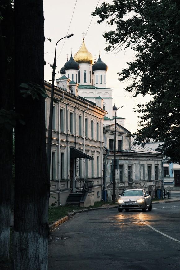 Купола Собора можно увидеть, кажется из любой точки города.