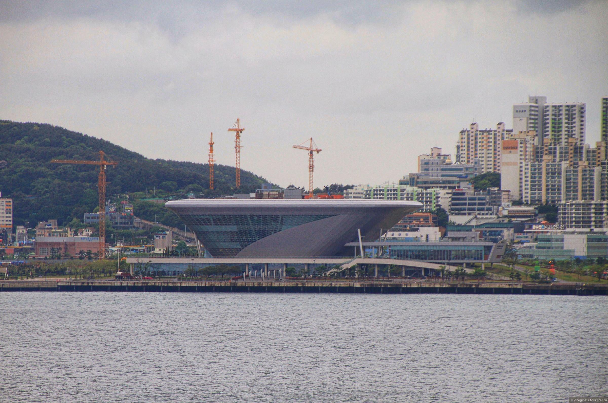 """Даже шикарный круизный терминал, сделавший Пусан """"морской столицей"""" Южной Кореи остался неувиденным. Правда, уже не по нашей вине..., Пусан. Дождь и немножко грусти..."""