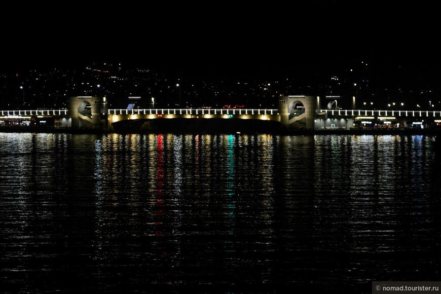 Ночной Галатский мост