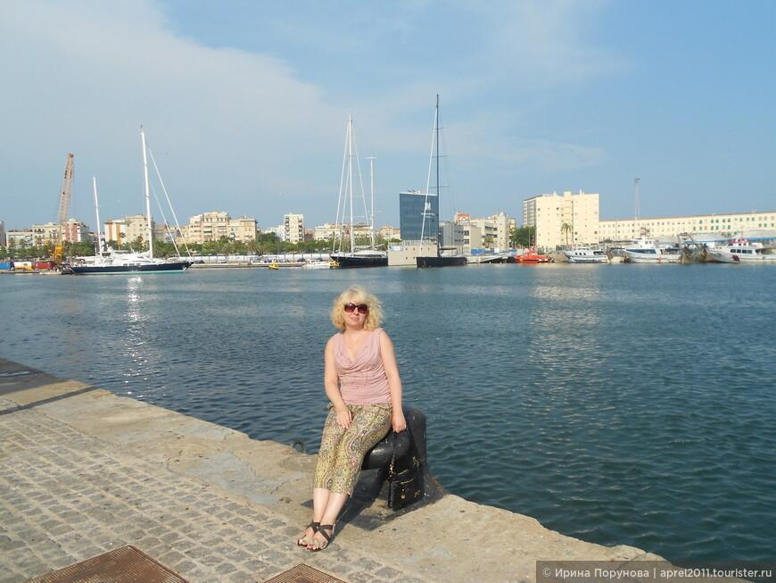 В порту Барселоны.