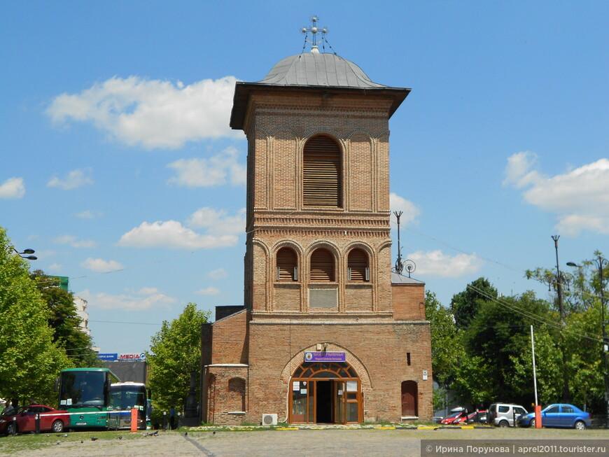 Церковный комплекс в Бухаресте.