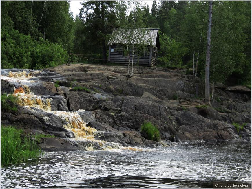 """А для широких народных масс водопад знаком давно, с 1972 года. Именно здесь снимался культовый фильм """"А зори здесь тихие""""."""
