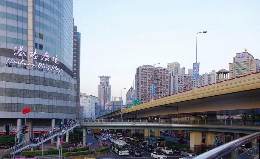 Какой Шанхай симпатичнее - старый или супер современный, я так и не решила.
