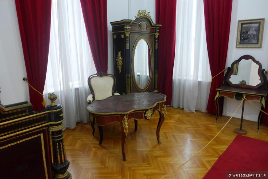 Мебель, сохранившаяся от короля.