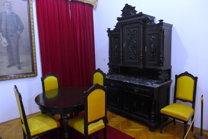 Мебель короля Николы.
