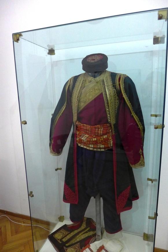 Личная одежда короля Николы.