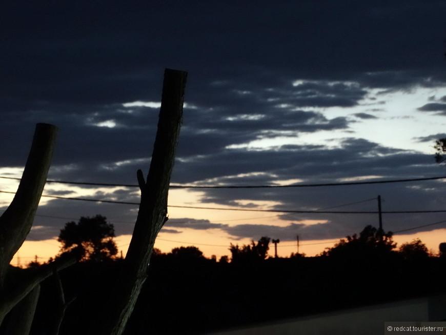 Разбавим путь. Вот такой вечерний закат случился по дороге....