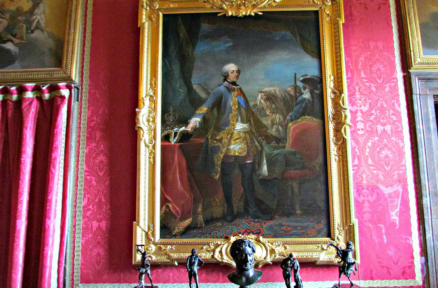 Салон Марса. Портрет Людовика XV.