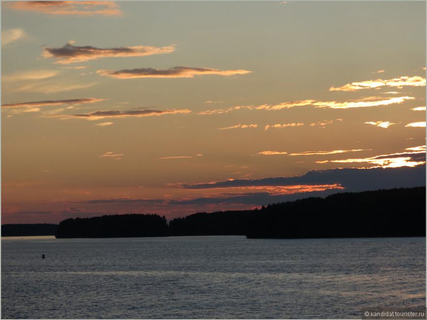 С восходом солнца и картинки, и настроение меняются.