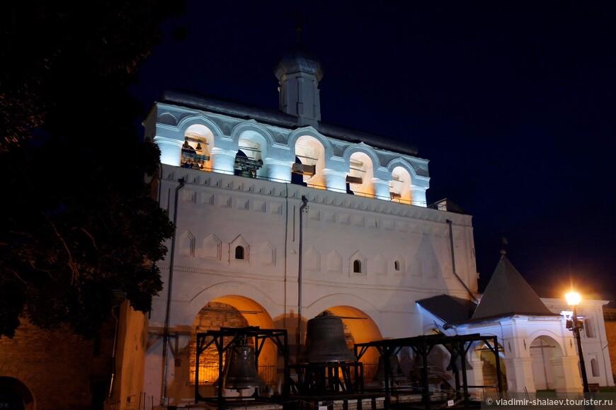 Звонница Софийского собора  — памятник архитектуры XV—XVIII веков в Новгородском кремле.