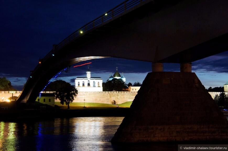 Горбатый мост.