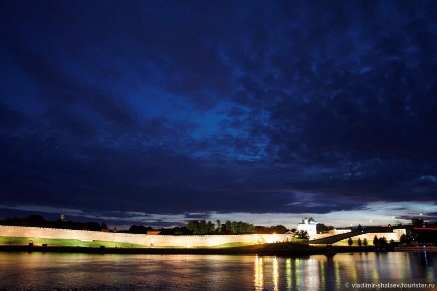 Ночное небо Новгорода.