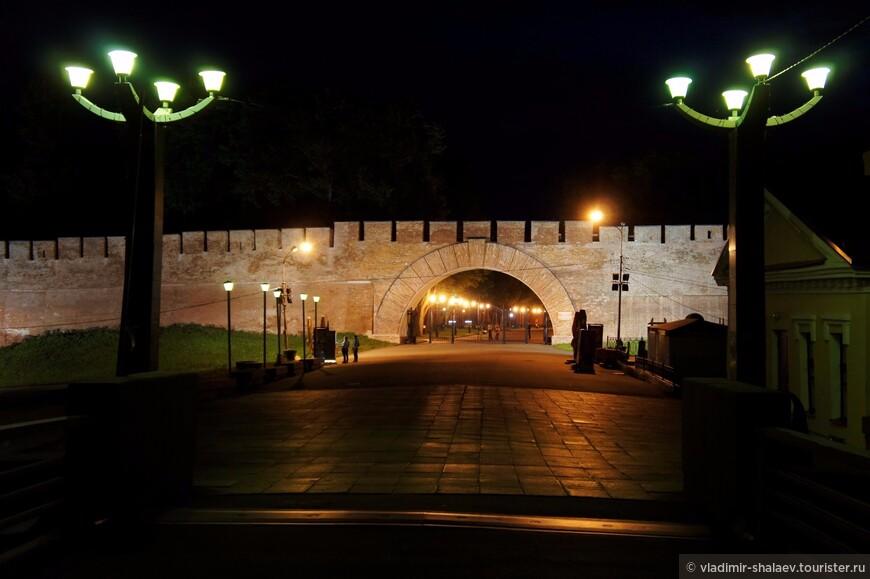 Пречистенская арка - восточный вход в Кремль.
