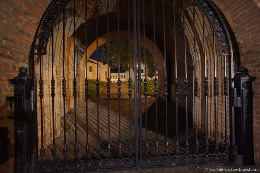 Тайничные водяные ворота.