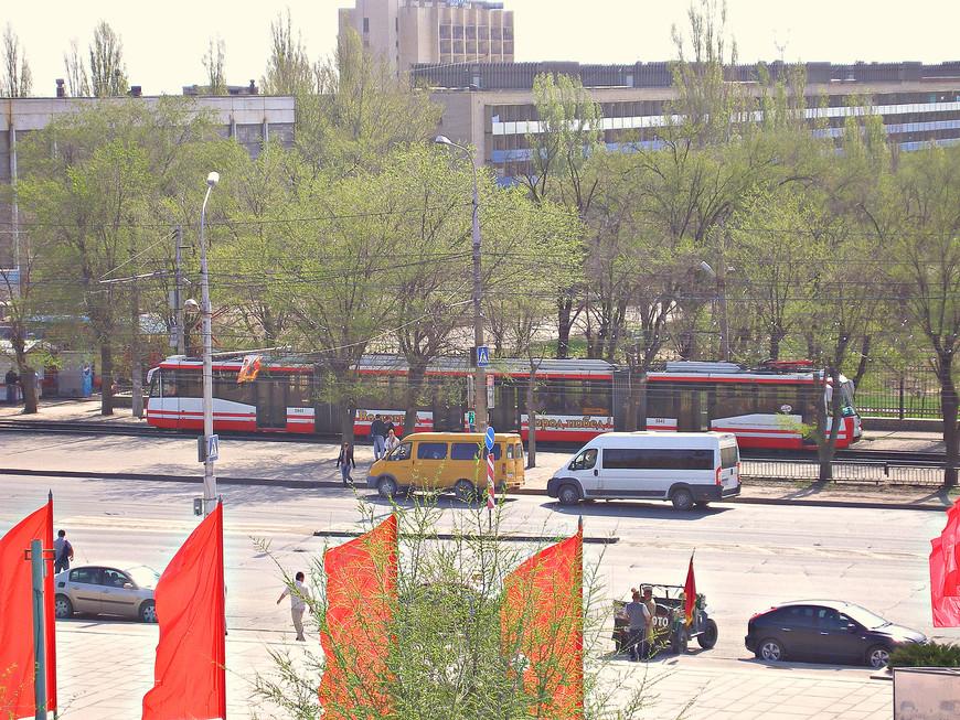Скоростной трамвай, который в Волгограде играет ту же роль, что метро в других городах-миллионниках.
