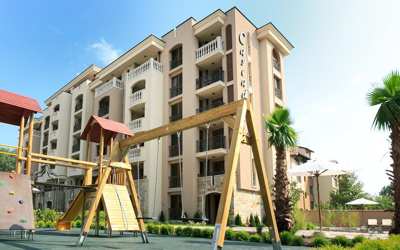 Новая детская площадка в корпусе Каскадас Рояль 14