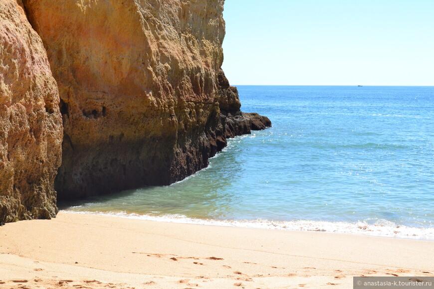 Если вы любите штиль, то такие пляжи ваше спасение, потому что океан бывает спокойным раз в пятилетку.