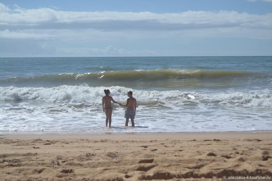 Praia do Barranco - хороший широкий пляж. Есть парочка кафе и деревянные дорожки.