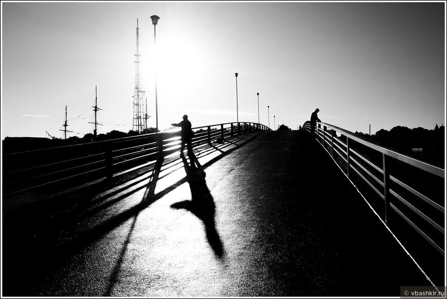 Рыбаки на Горбатом мосту.