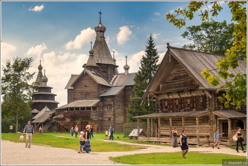 В музее народного деревянного зодчества Витославлицы.