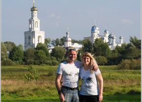 На фоне Юрьева монастыря.