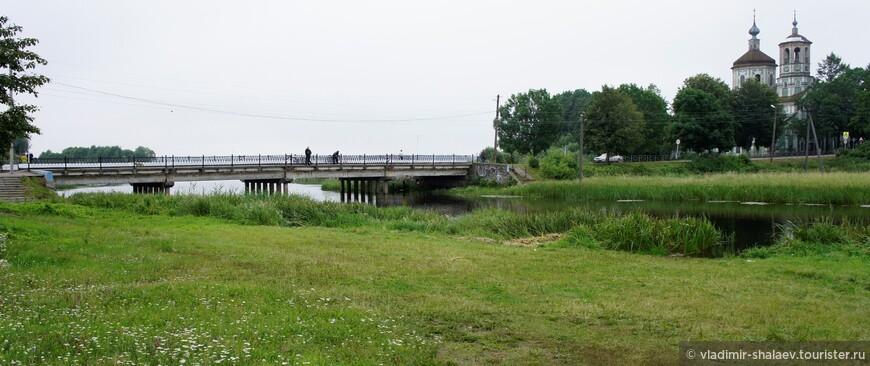 Мост через реку Торопа.