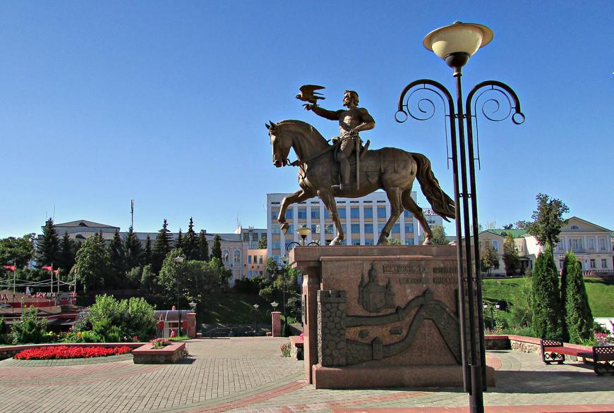 Памятник великому князю Литовскому Ольгерду.