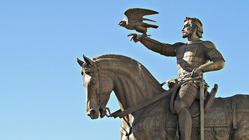 В 22 года Ольгерд женился на витебской княжне. После смерти тестя он стал князем витебским  и много сделал для развития города.