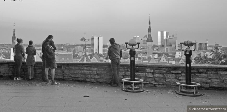 """Мы все любим смотреть на города с высоты - открывается перспектива. Но здесь важно найти ту высоту, которая не была бы чрезмерной и помогла бы расслышать голос города. Если мы возносимся слишком высоко - сегодня это стало так легко, и в своей гордости """"властителя"""" думаем, что овладели городом, он отвечает нам молчанием."""