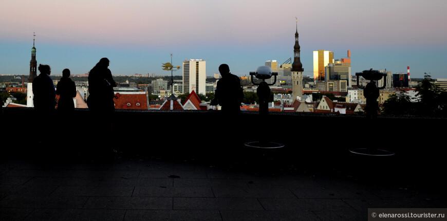 Между тем хоровое многоголосье Таллина многоцветно и неповторимо! Динамично и контрастно.