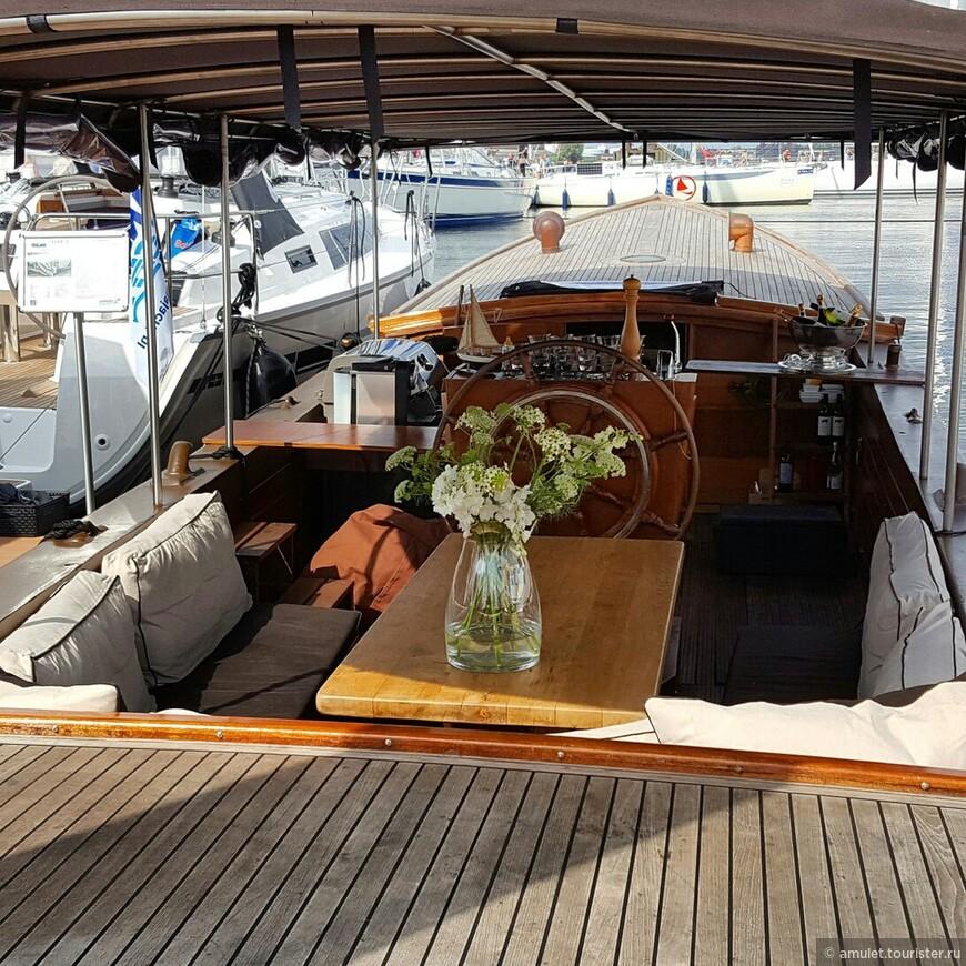на яхтах чистота и атмосфера домашнего уюта