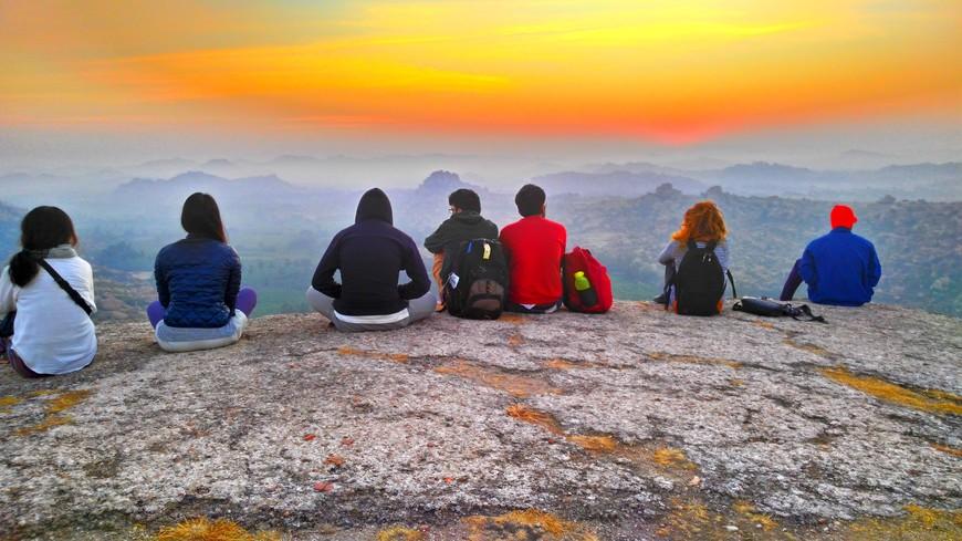 встреча рассвета на горе Ханумана