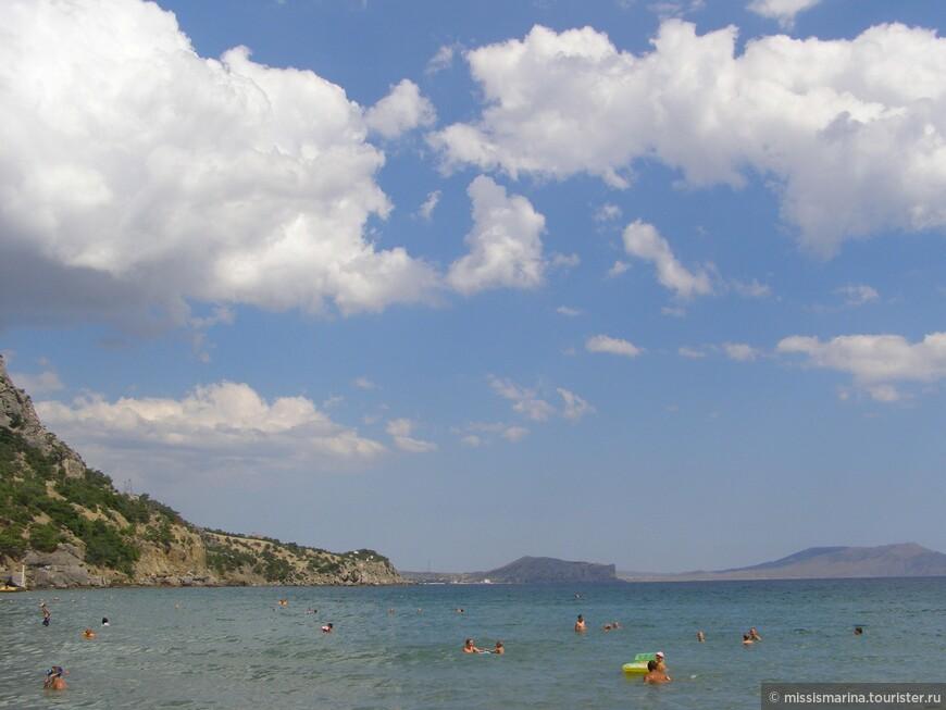 Было море - синее-синее. Любовались им небеса. Облака неслись над долинами, Словно белые паруса. Е.Громова