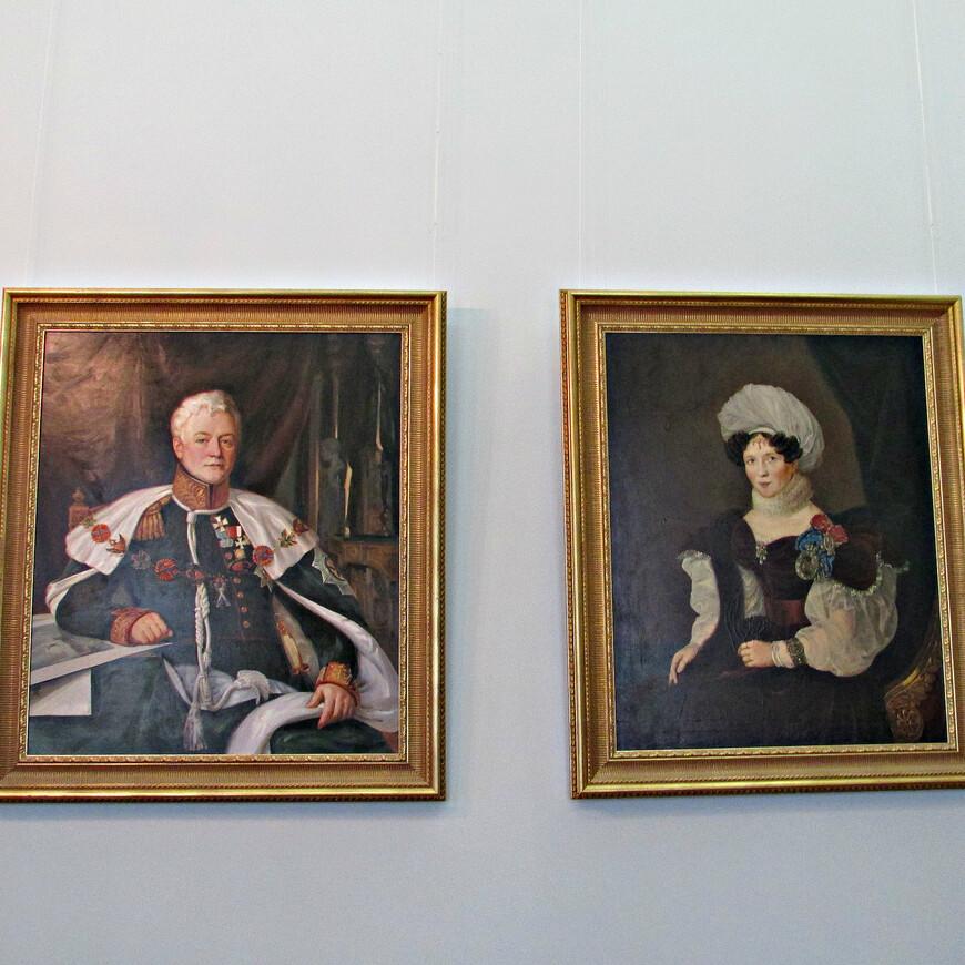Супруги Голицыны - Дмитрий Владимирович и Татьяна Васильевна. Генерал  Дмитрий Владимирович, сын княгини Натальи Петровны, участник войны 1812 г., более двадцати лет был военным генерал-губернатором  Москвы.